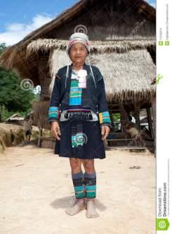 femme-asiatique-akha-dans-le-costume-traditionnel-laos-11245514